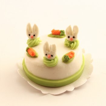 Cake - Fondant with Rabbit and Carrots