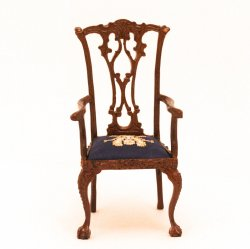 Bee Chair by Stitches in Miniature