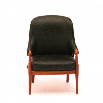 Black Leather Chair by Bespaq