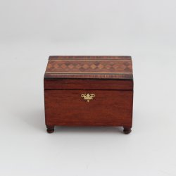 Parquetry Top Box with Tray
